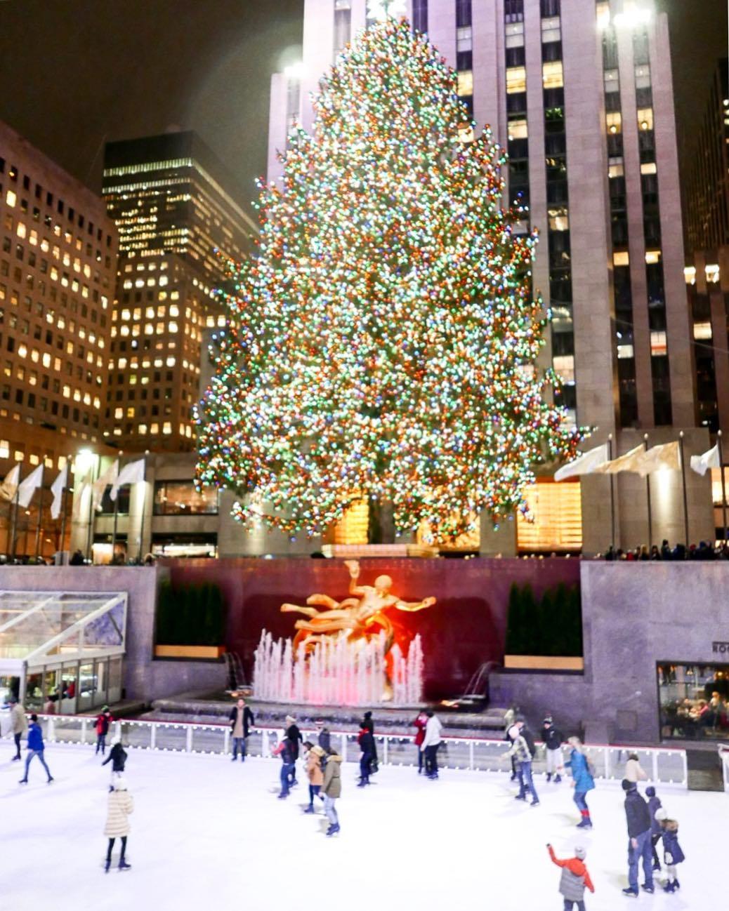 Rockefeller Center Christmas Tree.Rockefeller Center Christmas Tree Lighting